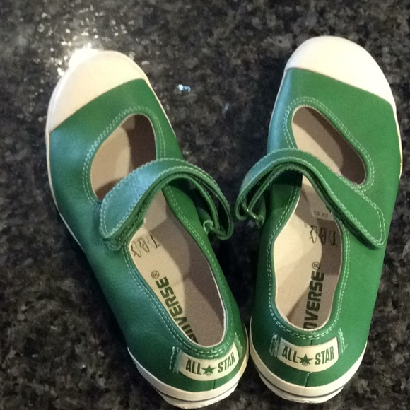 97f79cfa03de72 Converse Shoes - NWOT Rare Converse Mary Jane Ox